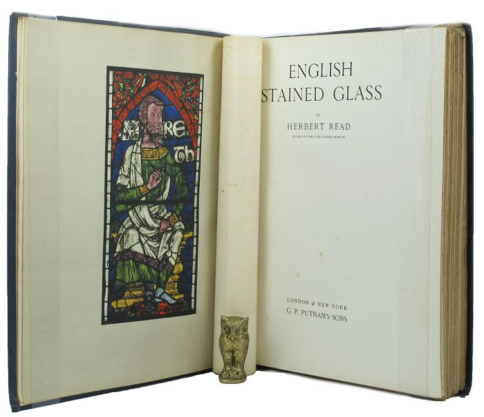 ENGLISH STAINED GLASS. Herbert Read.