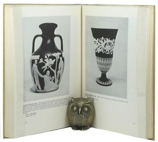 WEDGWOOD RARITIES. Harry M. Buten.