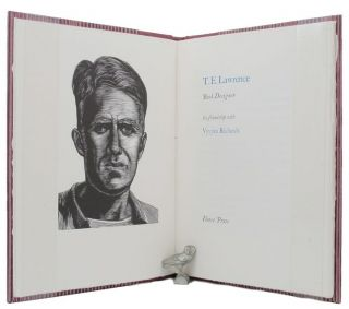T. E. LAWRENCE, Book Designer: his friendship with Vyvyan Richards. T. E. Lawrence, Vyvyan Richards.